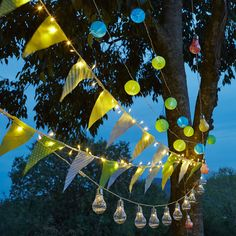 Guirlande solaire 5m - 15 lampions chinois colorés Multicolore - Rondou - Eclairage solaire - Luminaire de jardin - Jardin - Décoration d'intérieur - Alinéa 21st Party, Bbq Party, Outdoor Solar Lamps, Party Buffet, Center Table, Festival Party, Decoration, Christmas Bulbs, Fair Grounds
