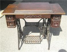 Cast Iron, It Cast, Treadle Sewing Machines, Sewing Table, Drawers, Singer, Antiques, Home Decor, Antiquities