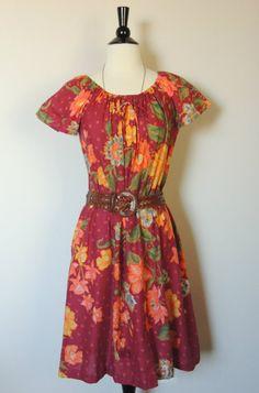 Vintage 70's Floral Dress. $26.00, via Etsy.