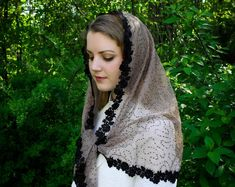 Etsy :: Your place to buy and sell all things handmade Mantilla Veil, Chapel Veil, Francis Of Assisi, Spanish Style, Kind Words, Christians, Free Sewing, Organza Bags, Wrap Style