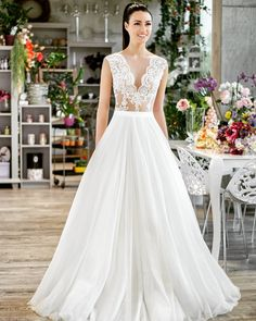 Hit of this season - a bridal gown consisting of the bodice and the skirt separately. The dress Awina by @allenrichpraha is so pretty and comfortable! Come to try it on! Book an appointment, tel. 603934444#Svatba #WeddingInPrague #СвадебноеПлатьевПраге #SvatbaPraha #СвадьбавПраге #SvatebniSalon #SvatebniSaty #CвадебныйCалонПрага #ManuGarcia #WeddingDressinPrague #CвадьбавЧехии #BridalSaloninPrague #WeddingInCzech #SvatebniDumTeamo