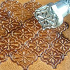 Geometric leather stamping tools to make a striking impression in your work. Includes shells, boxes, scales, diamonds and other geometric designs. Leather Stamps, Leather Art, Sewing Leather, Leather Design, Leather Jewelry, Tooled Leather, Custom Leather, Handmade Leather, Leather Working Tools