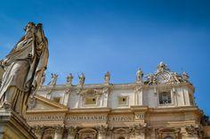 Bazilica Sf. Petru din Vatican  Bazilica Sf. Petru din Vatican, mai mult decât o catedrală - galerie foto.  Vezi mai multe poze pe www.ghiduri-turistice.info Sf, Vatican, Louvre, Mansions, House Styles, Building, Travel, Viajes, Manor Houses