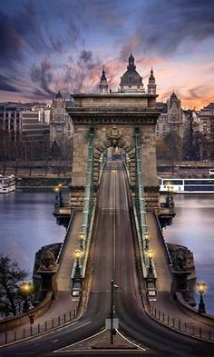 Premium Budapest River Cruise and fine dining on the Danube? Why settle for less when you can opt for the most popular Budapest Dinner Cruises? Places To Travel, Places To See, Travel Destinations, Voyage En Camping-car, Bósnia E Herzegovina, Budapest Travel, Budapest Nightlife, Visit Budapest, Hungary Travel