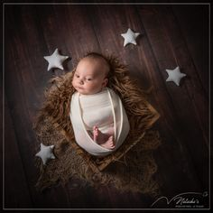 Shooting naissance avec des étoiles dans le Val de Marne en studio professionnel à Saint-Maur-des-Fossés Saint, Studio, Birth, Baby Born, Studios