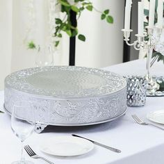 Wedding Cake Stands, Wedding Cake Toppers, Metal Cake Stand, Elegant Centerpieces, Caking It Up, Plate Stands, Round Cakes, Cake Table, Silver Rounds