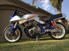Suzuki Superbike, Suzuki Gsx, Suzuki Cafe Racer, Suzuki Motorcycle, Motorcycle Paint, Concept Motorcycles, Cool Motorcycles, Sportbikes, Hot Bikes