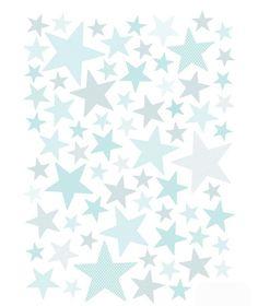 Decora la habitación de tu peque con este vinilo en forma de estrellas de varios tamaños y estampados en tonos mint que queda bien con todo. Puedes colocarlas de forma aleatoria, creando alguna figura en la pared o salpicar muebles y rincones de la hab