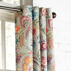 Our whimsical Ashford curtain gives a cheerful finishing touch to any room. The lining helps protect it from UV rays, while the grommet top creates a more contemporary feel from top to bottom.