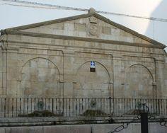 """#Jaen - #Torredonjimeno - Fuente del Pilar de Martingordo.  37º45'45"""" - 3º57'25"""".  Data del s. XVIII. Fuente de origen medieval reformada en el siglo XVIII."""