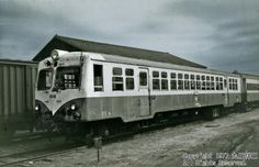 水島臨海鉄道キハ304/元は1956年製 夕張鉄道キハ253/撮影は77年/78年に水島から岡山臨港鉄道に移籍、84年まで活躍/各地に同系の多い、湘南電車顔のDCだが、鉛色の空の下で出会ったからか、どことなく北国育ちを感じさせるものが