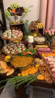 My grazing table - Buffet Ideen Appetizer Table Display, Appetizers Table, Wedding Appetizers, Thanksgiving Appetizers, Food Display Tables, Wedding Appetizer Table, Snack Tables, Charcuterie Display, Appetizer Buffet