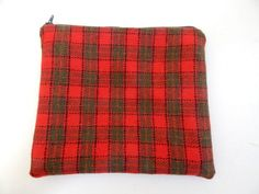 Makeup Bag / Zipped Pouch in Tartan Red & Green Print / Pochette / Cosmetics Case / Pencil Case / Christmas Gift / Bag Organiser