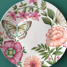 club highlights, igtv video and images . China Painting, Ceramic Painting, Ceramic Art, Pottery Painting Designs, Decoupage Glass, Hand Drawn Flowers, Plate Art, Ceramic Studio, Butterfly Art