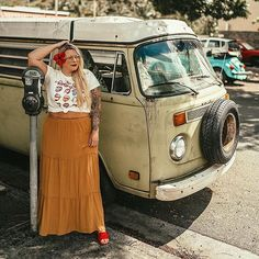Plus Size Festival Crop Tops Big Girl Fashion, Curvy Fashion, Plus Size Fashion, Plus Size Festival Outfit, Casual Home Decor, Plus Size Bohemian, Festival Crop Tops, Hawaii Outfits, Hawaii Style