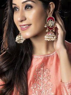 Big Jhumka Earrings Meenakari Earrings Indian Jewelry Handpainted Earrings Indian Earrings Wedding Jewelry Bollywood Jewellery - New Ideas Gold Bar Earrings, Unique Earrings, Flower Earrings, Beautiful Earrings, Jhumki Earrings, Fancy Jewellery, Stylish Jewelry, Tanishq Jewellery, Jewellery Designs