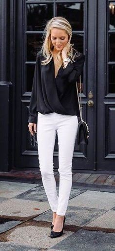 Black Blouse & White Skinny Jeans & Black Pumps