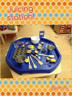 Juicing station - could set one up with oranges, juicer, cups for children to… Eyfs Activities, Nursery Activities, Preschool Activities, Preschool Centers, Summer Activities, Tuff Spot, Handas Surprise, Micro Creche, Tuff Tray