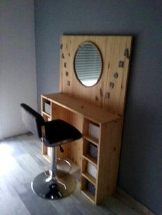 Pallet Dressing table - 40+ Dreamy Pallet Ideas to Reuse old Pallets | 99 Pallets - Part 2