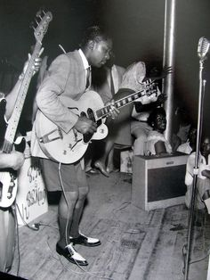 #BBKing #ACDC BB King doing the school uniform thing a few years before Angus Young. Hippodrome, Beale Street, Memphis c. 1950 http://ozmusicreviews.com/learn-blues-scales-on-guitar