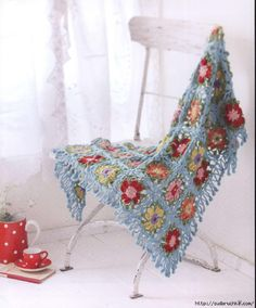 Pretty color crochet goods 4  Colourful crochet accessories: bags, stoles, hats, pillows ... #Japanese #crochet #book