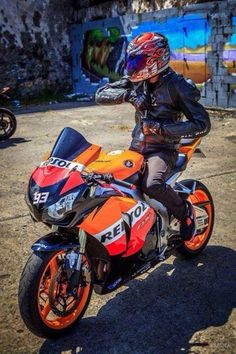 HRC Honda Racing 1000 RR Repsol 93 Arai Dainese Sidi YOSHİMURA