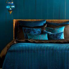 Turkuaz renkle oda renk kombinasyonları |