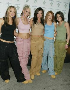 31 Weird Fashion Choices That Were Cool In The Early 2000s ... Timberland Boots Women, 2000s Fashion Trends, Parachute Pants, Style Guides, Two Pieces, Key, Casual, Womens Fashion, Clothes