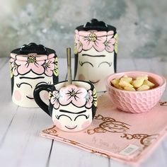 Pottery Painting Designs, Paint Designs, Pottery Art, Art Lessons, Painted Rocks, Decoupage, Projects To Try, Clay, Ceramics