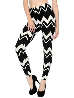Stretch is comfort in these Wide Black&White Zig-Zag printed leggings. With a special super soft Peach Skin texture now you too can have the best of both worlds with comfort & beauty when wearing thes