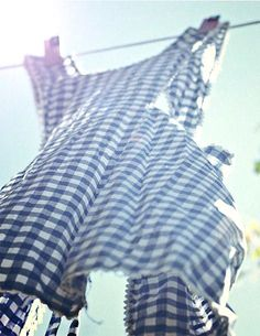 blue gingham apron on clothes line Love Blue, Blue And White, Yellow, What A Nice Day, Dorothy Gale, Vintage Laundry, Country Blue, Country Living, Aprons Vintage