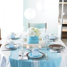 """Host a Classy Baby Shower without Using """"Themed"""" Decorations"""