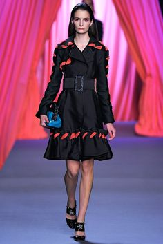 Viktor & Rolf Spring 2012 Ready-to-Wear Collection Photos - Vogue
