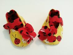 Girl Ladybug Shoes Mary Jane shoes Yellow Red Black Polka Dot Slippers Soft Sole Baby Shoes Toddler Baby booties, Shower Gift Newborn by Cuddlythreads on Etsy