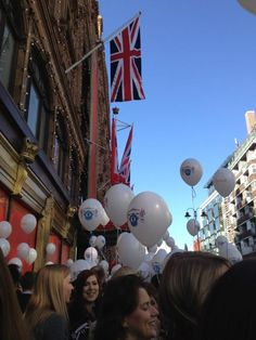 Thanks to @c_affleck #Harrods #DiamondJubilee #Jubilee #Balloons #Flags