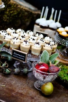 mini tiramisu.  Cindy and Lisa we will have to make some of these for the wedding. They look so pretty!