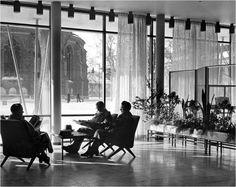 Västerås stadsbibliotek. Arkitekt Sven Ahlbom 1956.