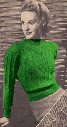 Vintage 1940s Knit Pattern to make Zigzag CREW by GrannyTakesATrip