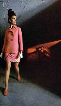 60s And 70s Fashion, Pink Fashion, Timeless Fashion, Retro Fashion, Vintage Fashion, Fashion Looks, Ted Lapidus, Women's Suits, French Fashion Designers