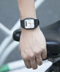 メンズにもピッタリサイズなチープカシオ。女性がちょっと大きめの時計をするのが今流行っています。 彼氏とおそろい、交換し合ったり、そんなことができるのもチープカシオならでは。