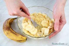 Aprende a preparar pastel de banana con esta rica y fácil receta. El queque de plátano es uno de los más fáciles de preparar, sabrosos, nutritivos y económicos....