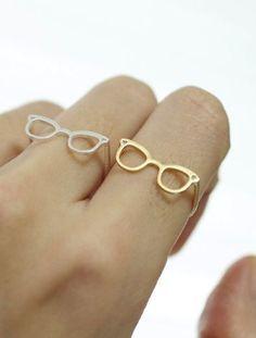 Cute glasses ring--too cute!! want!!!