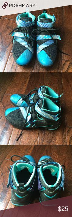 Nike Kids' LeBron Soldier IX Basketball Shoes