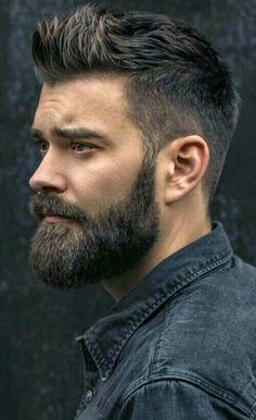 Face shape is an important factor to determine which beard style will suit on you. These are beard style for round face men to make your decision easier. Trending Hairstyles For Men, Mens Hairstyles With Beard, Haircuts For Men, Cool Hairstyles, Fashion Hairstyles, Curly Haircuts, Mens Hairstyles Widows Peak, Mens Hairstyles Quiff, Hairstyle Ideas