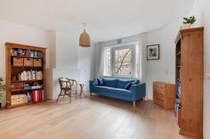 Te koop: Albert Luthilistraat 19C Amsterdam - Hoekstra & van Eck Makelaars - Méér Makelaar. Zou je graag willen wonen in een leuk appartement, gelegen om de hoek van het Krugerplein en het gezellige Beukenplein met een nieuwe keuken (2013) en een balkon op het zuidoosten? Dat is nu mogelijk! Dit appartement beschikt over een nette slaapkamer, een prima badkamer en zeer mooie keuken, waardoor je hier direct kan gaan wonen en genieten