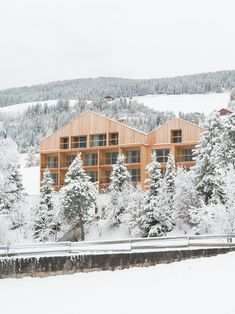 Architektur Urlaub in den Bergen Holzhotel Dolomiten