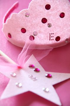 Princess party craft idea - decorate your own crown and tiara