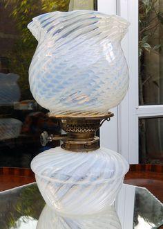 Antique Lighting : A good Vaseline / Opalescent Oil Lamp
