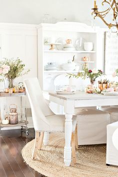 I love the timeless look of copper. In the past, I have incorporated it into a few tablescapes, but have noticed a new classic popping up of late - rose gold. Rose gold is like a modern take.