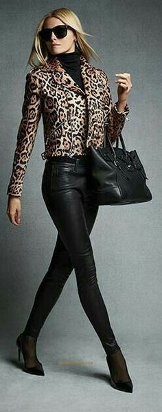 29 Amazing Leopard Print Outfit Ideas You Need To Try Leopard Print Outfits, Leopard Print Jacket, Animal Print Outfits, Leopard Fashion, Animal Print Fashion, Fashion Prints, Leopard Blazer, Animal Prints, Fashion Mode
